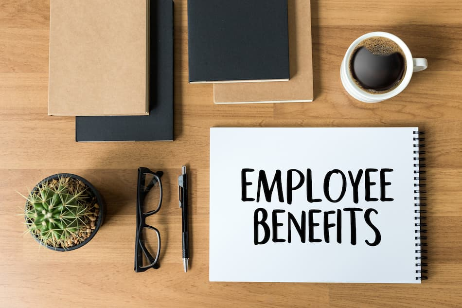 6 HR Experts Weigh In On The Best Employee Benefits For 2022