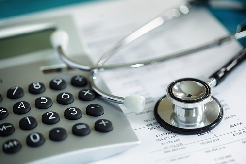 What is the Difference Between HSAs and HRAs?