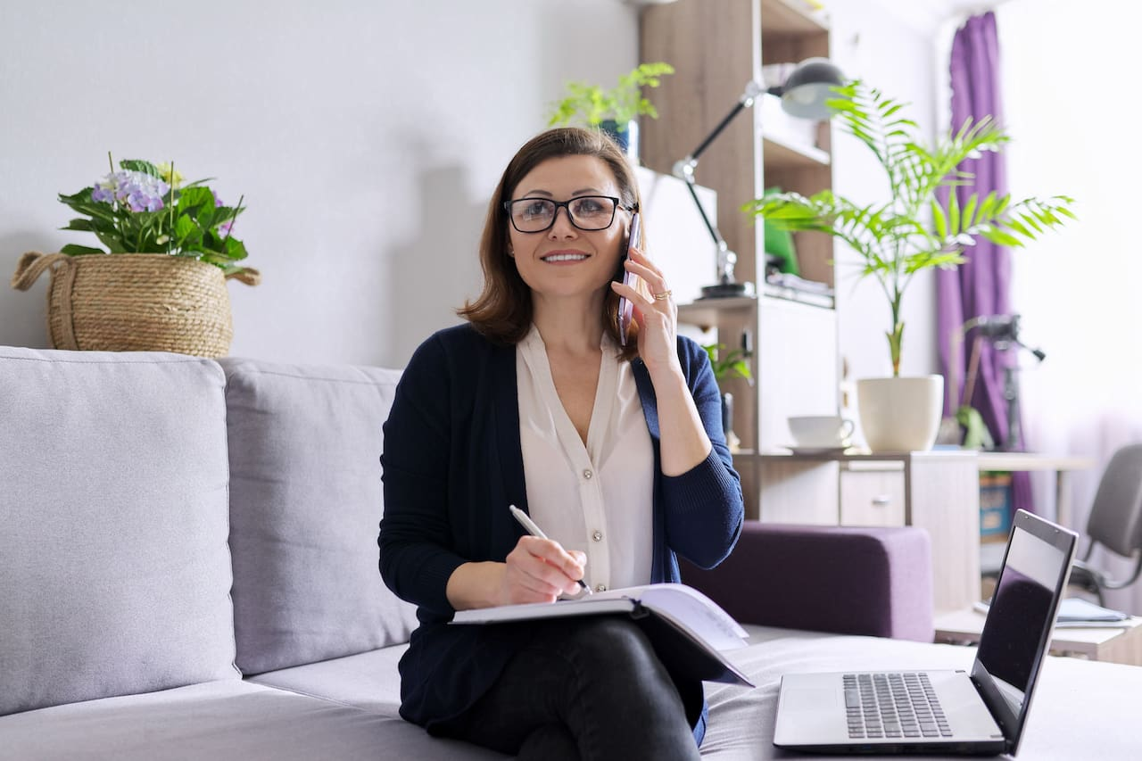 How to Conduct a Phone Interview Step-by-Step Guide and Templates