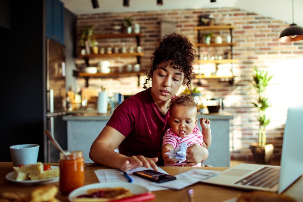 5 Ways HR Teams Can Help Parents with Remote Work